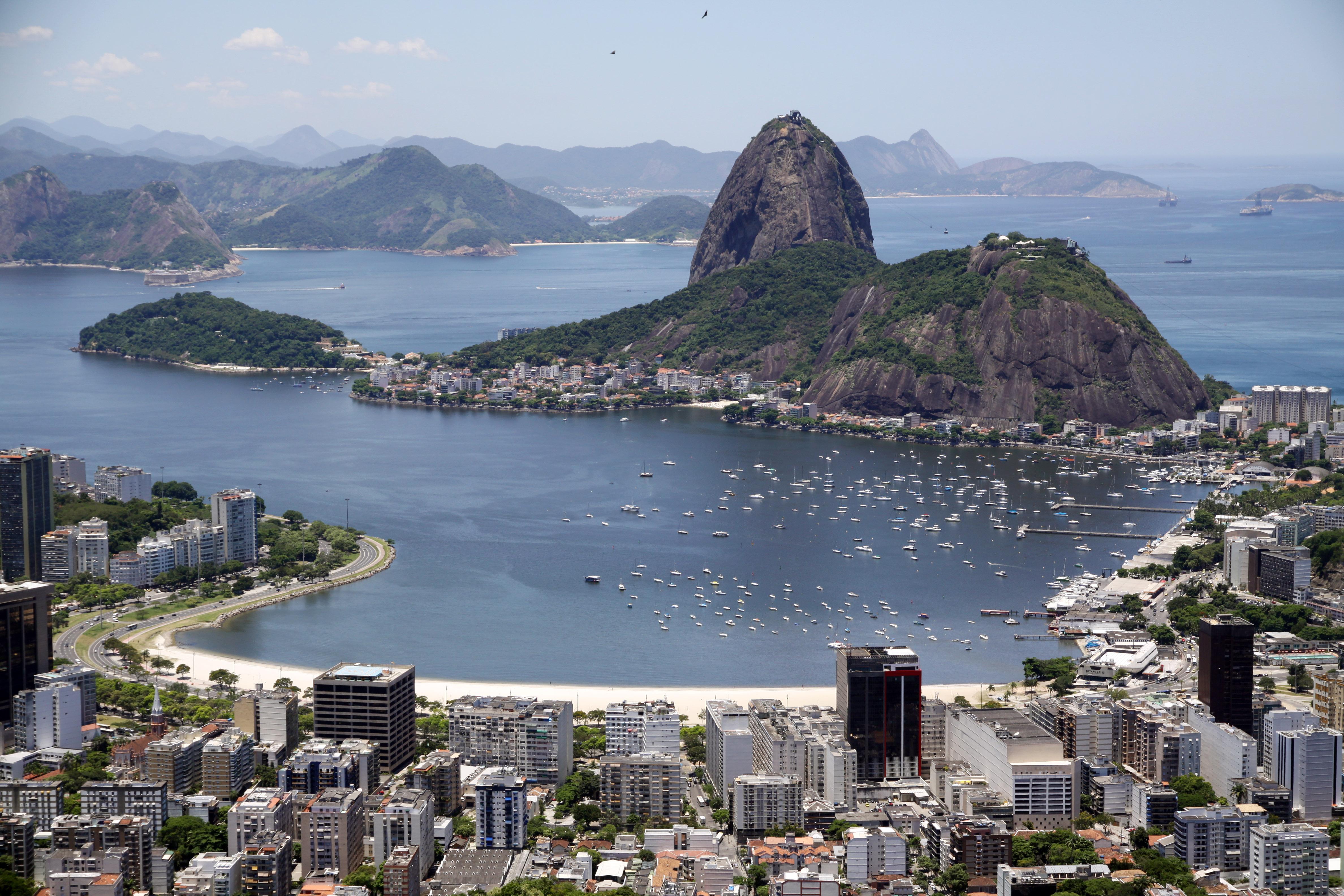 Enseada de Botafogo e vista do Pão de Açúcar (Halley de Oliveira, CC BY 3.0)